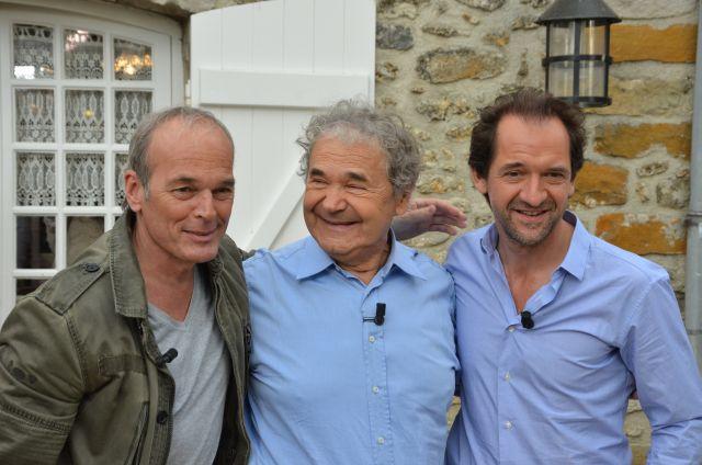 Nangis, le le 13 avril 2014 - Laurent Baffie, Pierre Perret et Stéphane Degroodt lors du tournage de l'émission Vivement Dimanche.