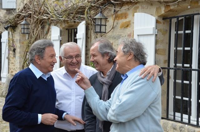 Nangis, le le 13 avril 2014 - Michel Drucker, Honoré Carlessimo, Christian Morin et Pierre Perret lors du tournage de l'émission Vivement Dimanche.